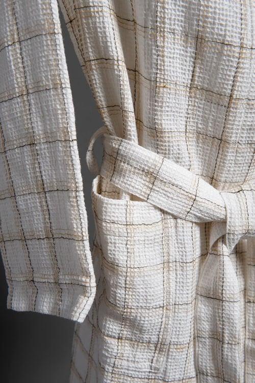White checked linen women's bathrobe with a hood 3