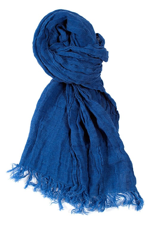 Linen shawl in dark blue 1