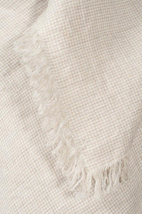 MENORA ivory scarf 2