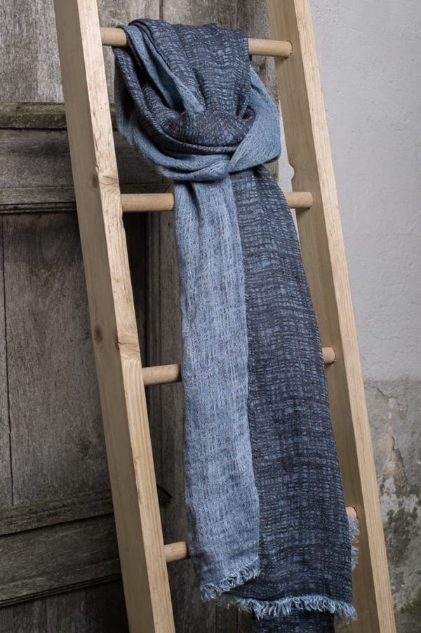 Blue patterned linen shawl 1