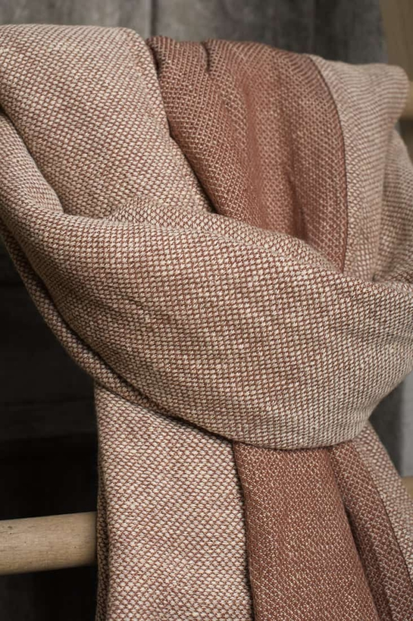 Brown patterned linen shawl 2