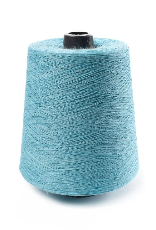 Linen yarns in light turquoise 13(1) 1