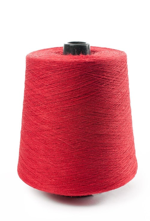 Linen yarns in red 10(4) 1