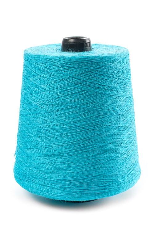 Linen yarns in bright turquoise 13 1