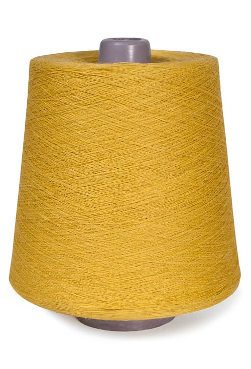 Linen yarns in sulfuric colour 6(13) 1
