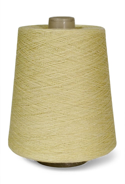 Linen yarns in light yellow colour 6(17) 1