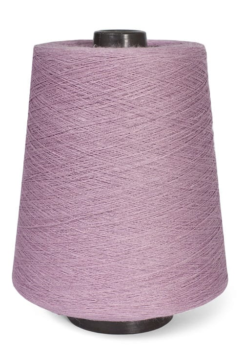 Linen yarns in lilac colour 3(4) 1