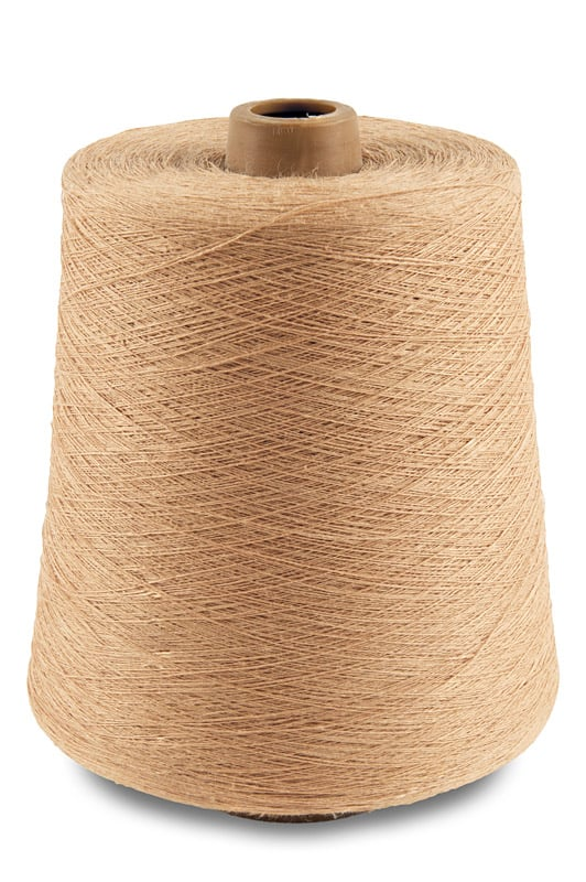 Linen yarns in nude colour 11(23) 1
