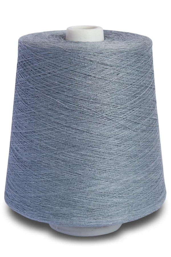 Linen yarns in arctic grey 7(12) 1