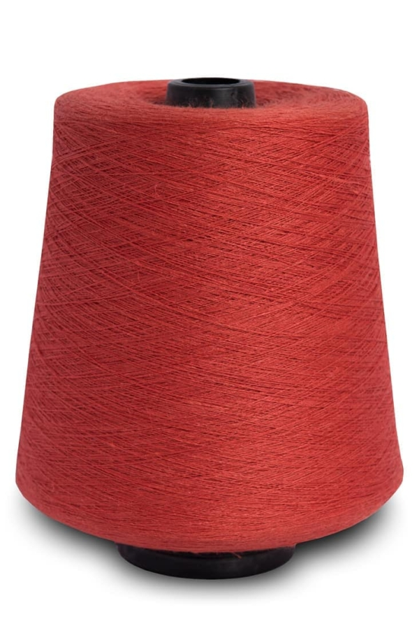 Linen yarns in flame red 10 1