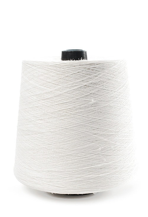 Linen yarns in optical white 5(0) 1