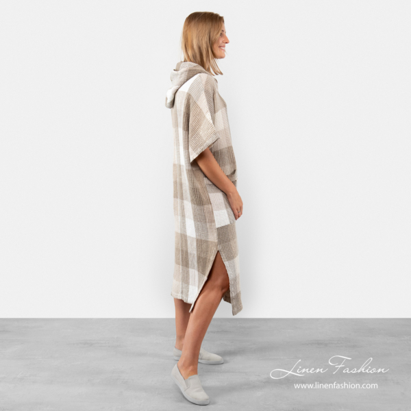 Linen poncho towel with slits on the sides
