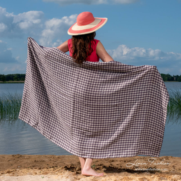 Linen beach towel purple checks