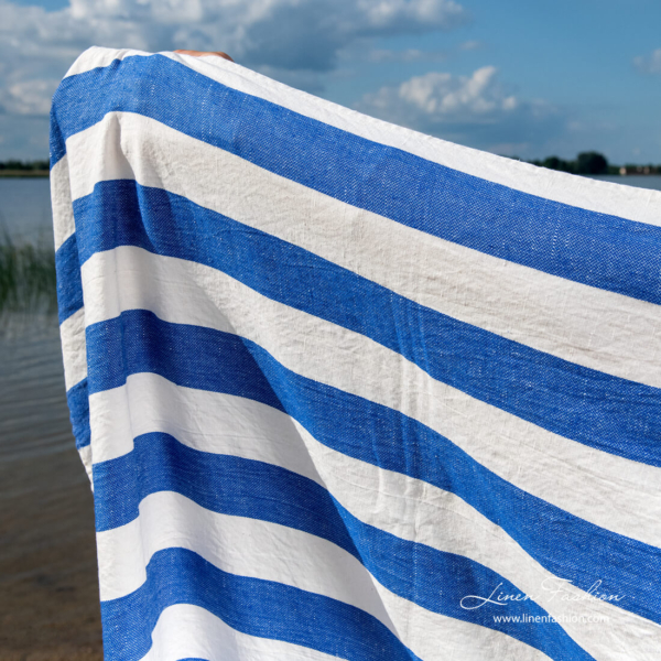 Linen beach towel with wide blue and white stripes