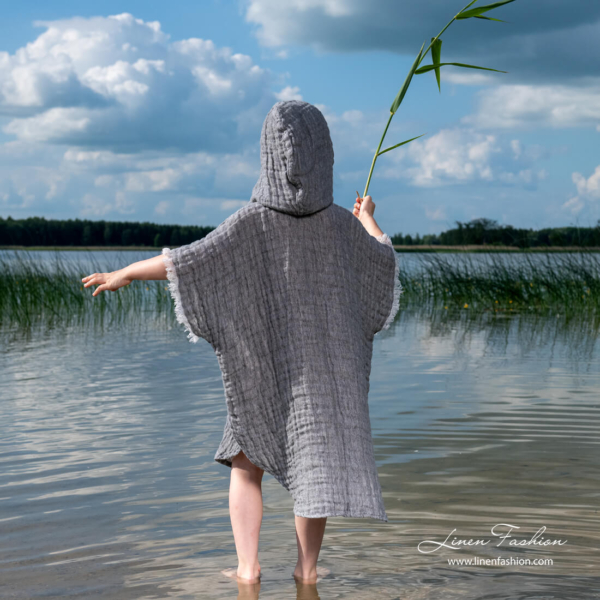 Grey kids poncho with longer back