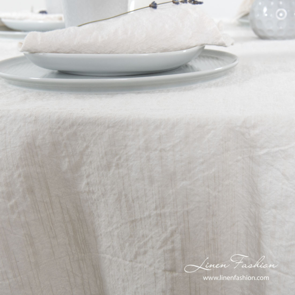 Washed white round tablecloth with special fancy yarns