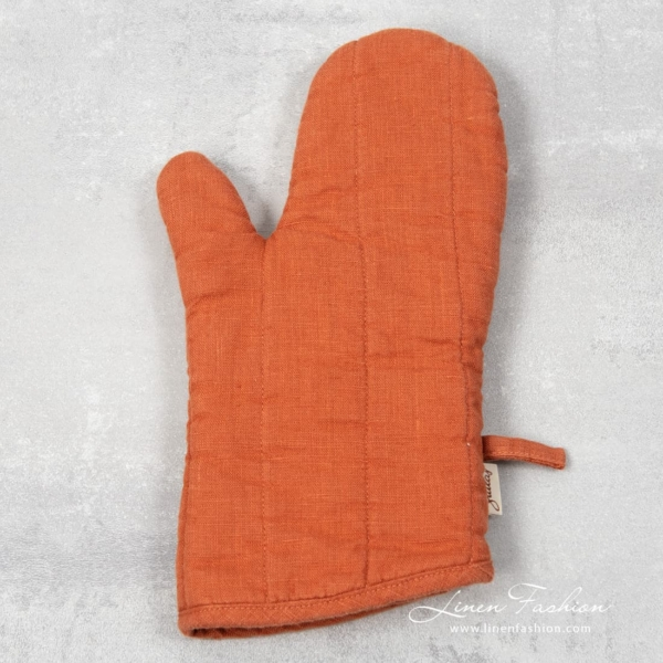 Orange linen oven glove, gamma.