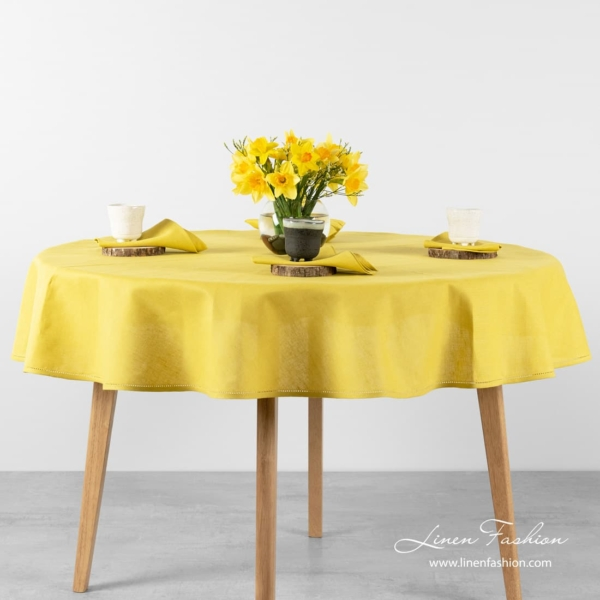 Round oval yellow tablecloth, luna.