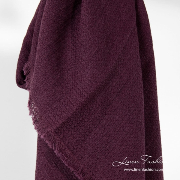 Dark red linen-cotton scarf.